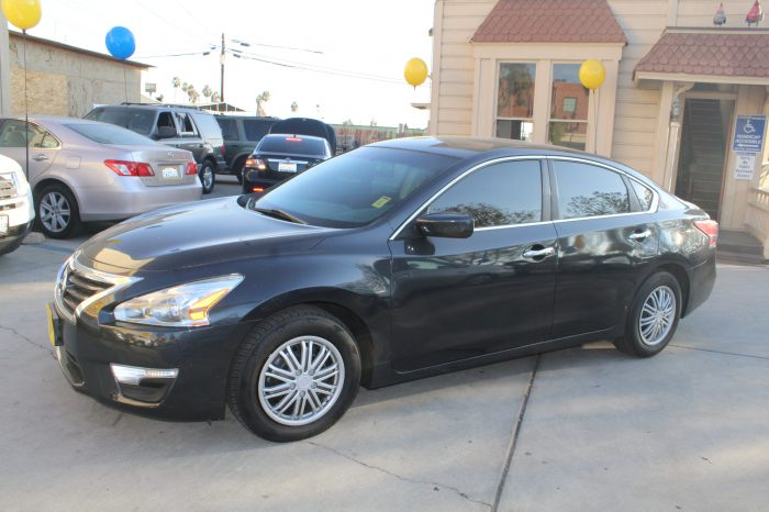 FOR SALE: 2013 NISSAN ALTIMA, 98K MILES